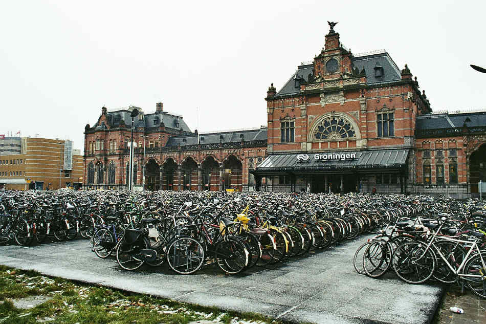 Groningen, the Netherlands, earned its title as The World's Cycling City with its 50 percent bicycle mode share. Photo: ##http://urbanplanning21stcentury.blog.com/2011/01/21/groningen-world%E2%80%99s-cycling-city/##Urban Planning in the 21st Century##