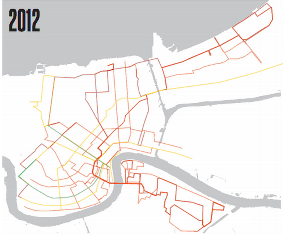 This map shows transit routes in New Orleans that run less frequently than once every 30 miles at peak hour in red. Routes that run at 15-minute frequencies or less. Image: Ride New Orleans via Transport Politic