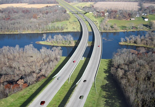 If you asked me to paint a picture of a highway where no highway should exist, this is the picture I would paint. Image: ##https://pbworld.com/capabilities_projects/illiana_expressway_.aspx##Parsons Brinckerhoff##