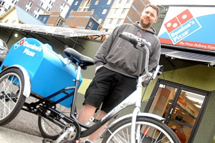 A Dominos francise in Portland is delivering pizza by bike. Photo: Bike Portland