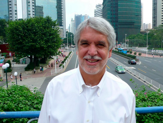 Enrique Peñalosa achieved international cult status for his transportation leaders in Bogota is mayor again and proposing some ambitious new ideas. Photo: Colin Hughes via Flickr